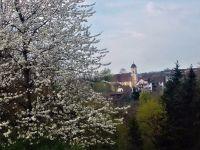 17_Durchblick_zur_St_Georgskirche_Guenter_Spiessl