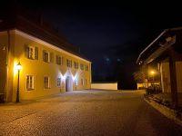 014_Rathaus_und_Burg_Mitterfels_bei_Nacht_al