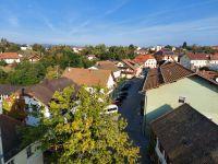 2020_10_02_06_Auf_Hoehe_der_Turmuhr_Blick_auf_Untere_Burgstrasse_und_Heilig-Geist-Kirche