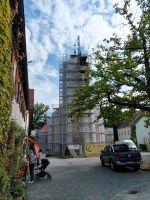 2021_09_07_01_Heute_wurde_die_restaurierte_Turmuhr_wieder_an_ihrem_Platz_angebracht