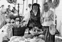 23_Bei_der_Sankt_Georgskirche_fand_ein_historischer_Markt_statt