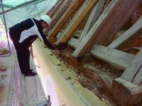 2017_05_25-012-Dachstuhl-tragende-Balken-verfault