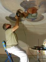 2018_06_14-112-Risse-in-Fresken-werden-behandelt