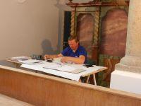 2018_08_28-154-Gebaeudetechnik-mit-improvisiertem-Buero-in-der-Kirche