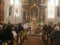 2018_10_21-191-Pontifikalgottesdienst-in-der-in-neuem-Glanz-strahlenden-Pfarrkirche---Foto-Martin-Graf