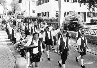 01_Die_Blaskapelle_marschierte_dem_Festzug_voran
