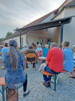 2021_08_11_02_Buergermeister_Liebl_kann_gut_100_Besucher_begruessen_-_Ideenlieferant_Wolfgang_Hammer