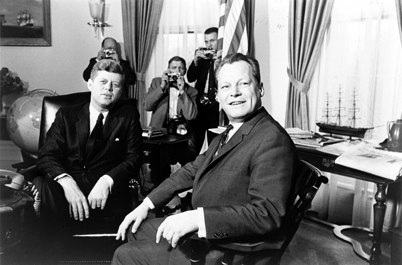20 04 john f  kennedy meeting with willy brandt march 13 1961