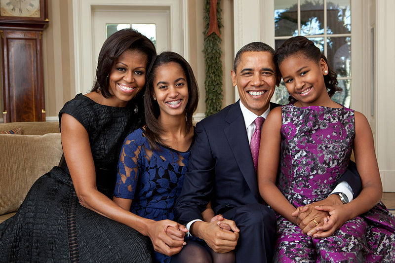 20 07 barack obama family portrait 2011